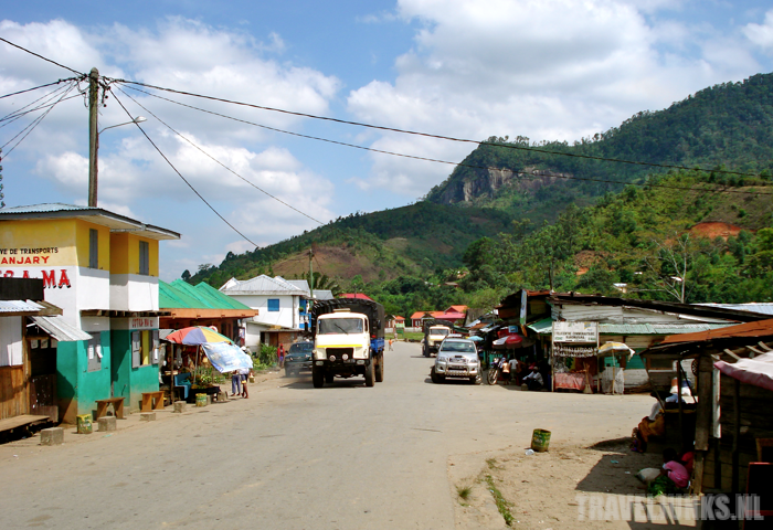 Ranomafana dorp hoofdweg