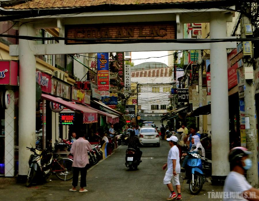 Ho Chi Minh Minihotel Alley