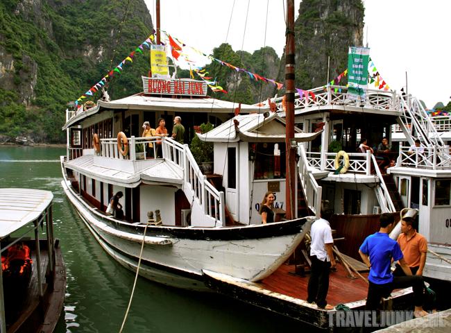 Halong Bay 01