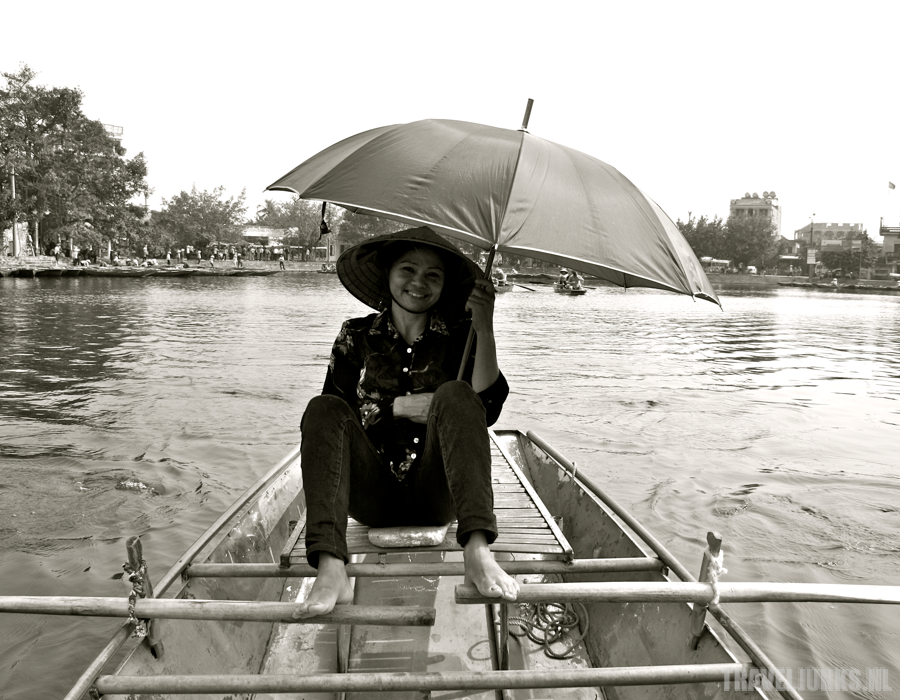 Vietnam roeister tam coc