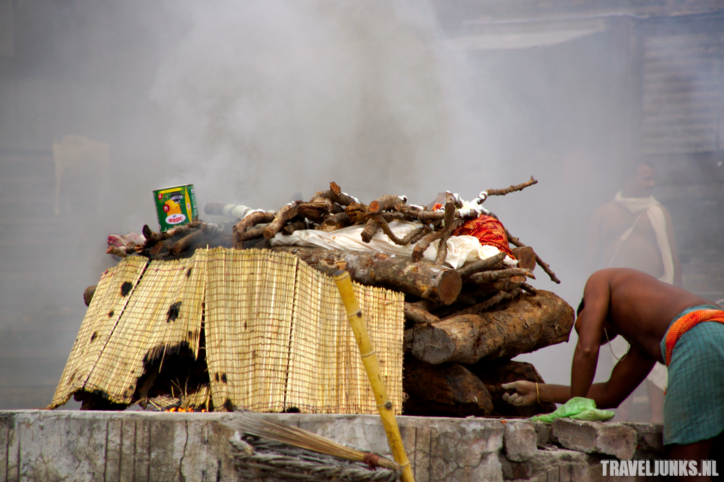 Varanasi lijkverbranding