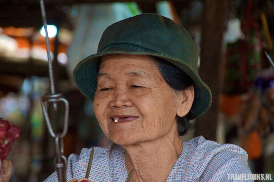 Cambodja oma tanden