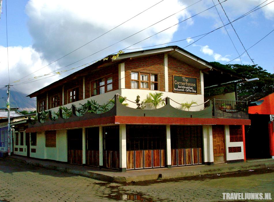 Ometepe cornerhouse