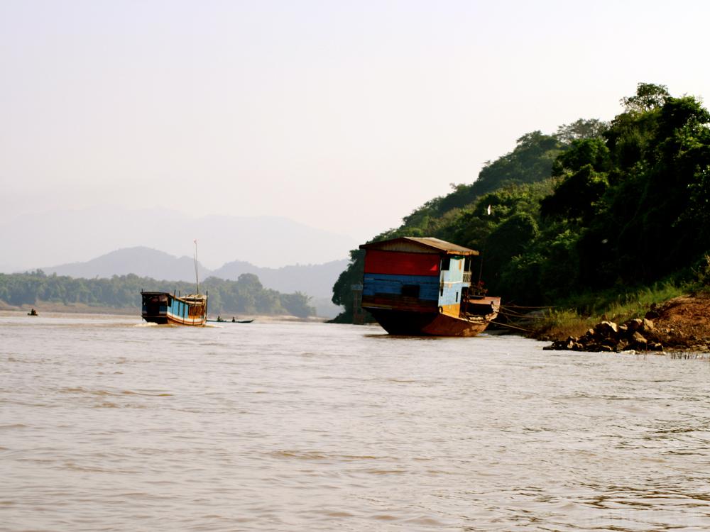 mekong fast boat
