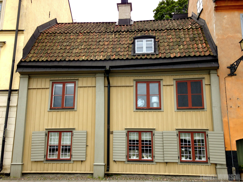 sodermalm yellow house