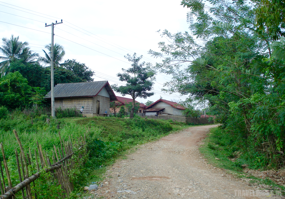laos dirt road